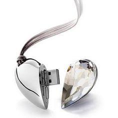 USB flash drive Adam&Eve – это роскошный подарок для деловых партнеров и друзей, позволяющий показать свое особое отношение к человеку, которому он предназначен.