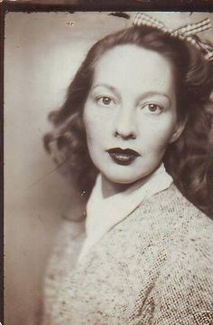 1940s photo booth beauty. #vintage #1940s #portraits