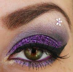 Glitter purple Smokey eye, cat liner