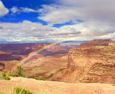 My mom caught this rainbow with her cell phone on a drive through Canyonlands NP Utah [OC] [960 x 789]