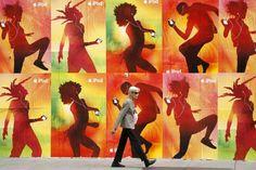Allgegenwärtiger Konzern: Eine Plakatwand mit Apple-Werbung in San Francisco