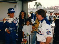 Ayrton Senna, Viviane Senna, Bruno Senna e Adriane Galisteu. Box da Williams, no GP Brasil de 1994.