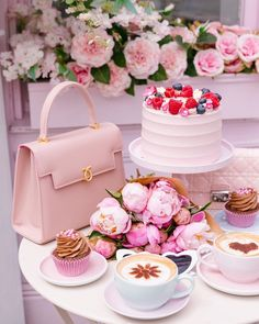 Good Morning Coffee, Coffee Time, Peggy Porschen Cakes, Coffee Shop Aesthetic, Pink Cafe, Cake Photography, Cupcakes, Beautiful Flower Arrangements, High Tea