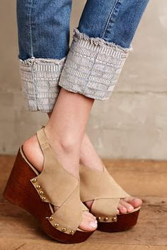 #anthrofave  Love the shoes and I am totally going to do this to some jeans for work. If I can make the seam fairly unnoticeable, then I can just roll them back down in the winter~