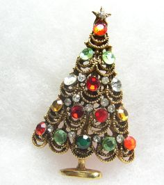 Christmas Tree Brooch Vintage Rhinestone Pin Lace  Style Crystal Gold Tone.