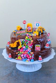 Bagger-Torte - My Work / City-Cupcakes - Kuchen Digger Birthday Cake, Digger Cake, 2 Birthday Cake, Birthday Ideas, Cupcakes, Cake Mix Cookies, Cookies Et Biscuits, Food Cakes, Chocolate Cookies