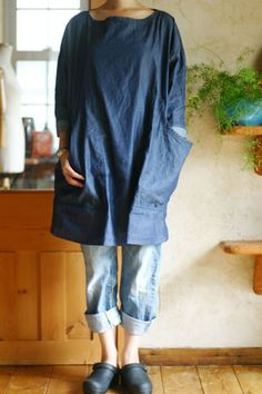 tunic top - with oversized patch pockets. Very japanesey