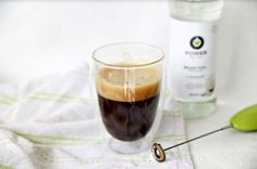Veda, výhody a riziká konzumácie kávy s maslom a MCT olejom - Dušan Plichta Workout, Work Out, Exercises