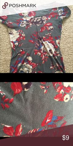 Beautiful floral top This top is just so pretty. I really love it but it is too small for me. Pairs great with jeans, leggings or a skirt. There are signs of wear such as pilling but will still look great! Charlotte Russe Tops Tees - Short Sleeve