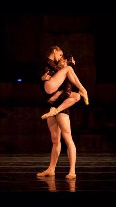 #pasdeduex #ballet #balletphotography #romantic
