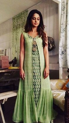 Kurta Designs Women, Blouse Designs, Indian Designer Outfits, Designer Dresses, Indian Dresses, Indian Outfits, Ikkat Dresses, Casual Dresses, Fashion Dresses