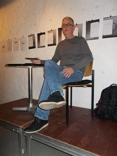 #Nachgeliefert... Eindrücke von der #Höllentunnel-Lesung im StadtgalerieCafé mit Martin Barkawitz -  StadtgalerieCafé : Das Publikum lauschte gespannt den dramatischen Ereignissen, die in meinem neuen Krimi Höllentunnel - erschienen im Oldigor Verlag - geschildert werden. Gibt es wirklich eine Parallelwelt mit eigenen Gesetzen in stillgelegten Londoner U-Bahn-Schächten? Findet es heraus ... https://www.facebook.com/photo.php?fbid=848996211788652&set=pcb.848997988455141&type=1&theater