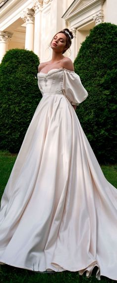 Off the shoulder sweetheart neckline ball gown a line wedding dress chapel train #weddinggowns #weddingdresses #wedding #bride #weddingdress #weddinggown