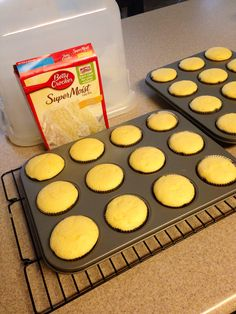 How to make a box cake extra moist and taste like it's made from scratch. Substitute oil for 1 stick of butter, add 1 small box of instant pudding mix, use milk instead of water, add tsp of vanilla extract. Moist Cupcake Recipes, Cake Mix Recipes, Baking Recipes, Dessert Recipes, Just Desserts, Delicious Desserts, Yummy Food, Cupcakes, Cupcake Cakes