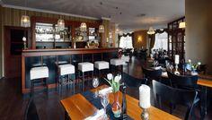 """Morgens weckt ein großes, vielseitiges Frühstücksbuffet im AKZENT Hotel / Restaurant """"Am Goldenen Strauss"""" in Görlitz die Lebensgeister.   Oder mieten Sie den """"Goldenen Strauss""""! Denn hier lässt es sich mit rund 60 Personen herrlich tagen oder feiern. Der schöne Blick auf den Marienplatz ist inklusive!"""