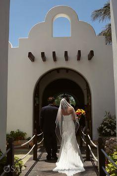 Playa del Carmen wedding ceremony at the Capilla de Nuestra Señora del Carmen. Mexico wedding photographers Del Sol Photography