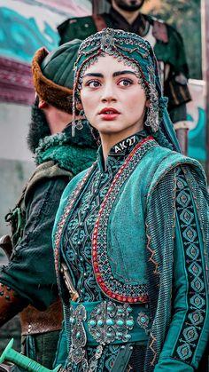 Girls Dp, Cute Girls, Beauty Hacks Dark Circles, Cute Girl Hd Wallpaper, Iranian Beauty, Pics For Dp, Danish Style, Actresses, Indian