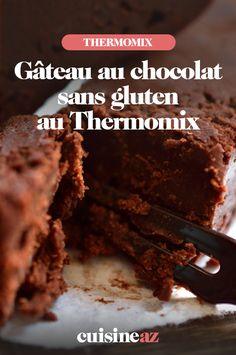 Même les personne intolérantes au gluten peuvent préparer des gâteaux avec leur Thermomix ! La preuve avec notre recette de gâteau au chocolat sans gluten :) #recette#cuisine#gateau#sansgluten #chocolat #robotculinaire#thermomix #patisserie Sans Gluten Thermomix, Robot, Desserts, Sweet Recipes, Cooking Recipes, Greedy People, Tailgate Desserts, Deserts, Postres