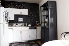 Kristy has made the most of her small space by incorporating big, bold statement pieces in a minimal black-and-white color palette.