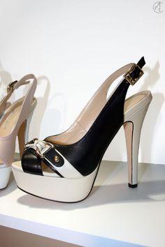 RosaRot - Slingback Pumps Schuhe High Heels FS2015 #RosaRot #Heels #Shoes
