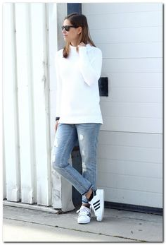 This How You Should White Sneaker Outfit
