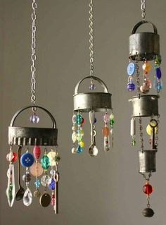 Do you want a unique set of wind chimes to add some personality to your garden, patio, balcony, or deck? You're in luck—no need to go to an expensive home boutique to find what you're looking for. Instead, take a look around your kitchen, garage, tool shed, or even your backyard. You'll find all sorts of items you can upcycle into a pretty and sweet-sounding set of DIY wind chimes. When looking for the perfect pieces, choose items that make a pleasing sound when they hit each other. Note...