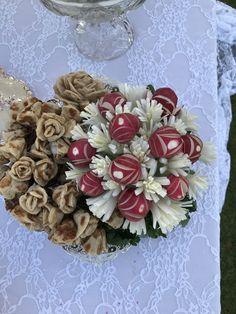 Sabzi and bread dish Iranian Wedding, Persian Wedding, Haft Seen, Color Themes, Floral Wreath, Dish, Wedding Ideas, Bread, Wreaths