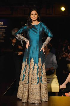 Urmila Matondkar looked stunning in blue-golden outfit at the India Couture Week 2014. #Style #Bollywood #Fashion #Beauty #ICW2014