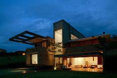 Les maisons d'Arthur de studio conçoivent une maison de campagne pour une jeune famille au Brésil - State of São Paulo, Brazil