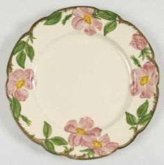 Entertain, gather, and turn your house into a home that's undeniably yours with the Desert Rose (USA Backstamp) Dinner Plate by Franciscan. Antique Dishes, Vintage Dishes, Vintage China, Desert Rose Dishes, Franciscan Ware, Dessert Aux Fruits, Vintage Dinnerware, China Dinnerware, China Patterns