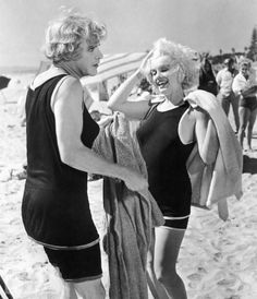 Jack Lemmon and Marilyn Monroe Are 'Hot'