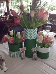 Floral centerpieces for a 40th birthday dinner.  Inspiration found on HWTM--luv her!