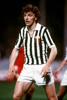 Zbigniew Boniek, Juventus Get premium, high resolution news photos at Getty Images Legends Football, Football Icon, Best Football Players, Retro Football, Football Design, World Football, Sport Football, Football Cards, Soccer Players