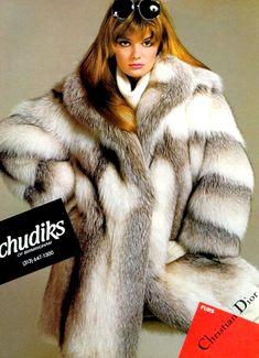 Fox Fur Jacket, Fox Fur Coat, Fur Coats, Fur Fashion, High Fashion, Womens Fashion, Paulina Porizkova, Original Supermodels, Fabulous Furs