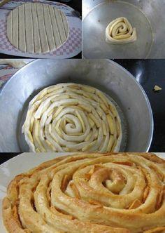 Néhány nyílást fúrt a piskótába, ki gondolta volna, hogy ilyen finomság lesz belőle! - Ketkes.com Food Decoration, Turkey, Bread, Recipes, Sweets, Deserts, Flaky Pastry, Finger Foods, Cooking