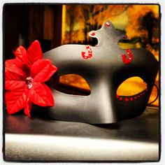 Red Nd black mask