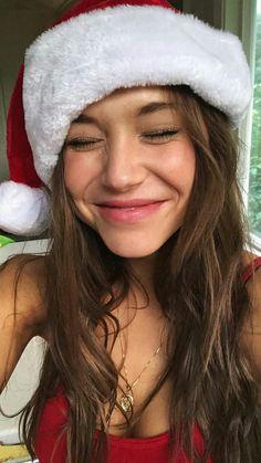 "absyntheofmalice: "" Alexis Ren "" Santa's lil' Helper Alexis Ren Hair, Beautiful Person, Beautiful Women, Selfies, Mocha Hair, Tumblr Face, Maggie Lindemann, Bare Beauty, Insta Photo Ideas"