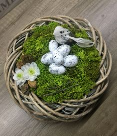 Spring wreath Wicker Baskets, Terrarium, Wreaths, Spring, Home Decor, Terrariums, Decoration Home, Door Wreaths, Room Decor