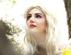 make up / coloration / expression / luminous -back lighting White Queen Costume, Queen Makeup, Hair Shows, Makeup Inspiration, Alice In Wonderland, Makeup Looks, Dress Up, Make Up, Mud