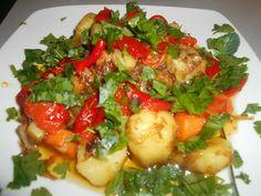 Ζaχαρη και Αλaτι: Ζεστή πατατοσαλάτα με καραμελωμένα κρεμμύδια Potato Salad, Pork, Potatoes, Stuffed Peppers, Vegetables, Ethnic Recipes, Sweet, Blog, Kale Stir Fry