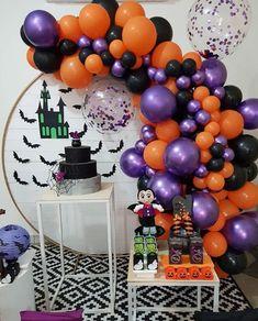 Halloween Balloons, Halloween Party Themes, Pop Culture Halloween Costume, Halloween Backdrop, Halloween Birthday, Baby Halloween, Halloween Decorations, Party Kulissen, Party Ideas