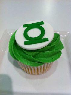 Green lantern cupcake