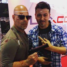 Estaba tranca en la @argencomiccon y me encontré con Bruce Willis! Gracias @bruceperillo ! by atilo