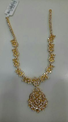 Gold Designs, Gold Earrings Designs, India Jewelry, Temple Jewellery, Small Necklace, Gold Necklace, Bridal Earrings, Pearl Earrings, Pakistani Bridal Jewelry