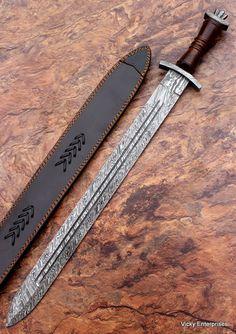 épée type viking, lame en acier damas/Sword type viking, damascus steel blade