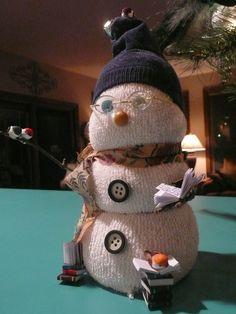 sock and rice snowmen Sock Snowman, Make A Snowman, Snowmen, Sock Crafts, Diy And Crafts, Reptile Eye, Sock Toys, Sock Animals, Diy Toys