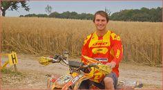 Can-Am: Max Freund startet in der GCC 2015 Der 6-fache German Cross Country Meister Max Freund startet in der GCC 2015 auf einer Can-Am DS 450 X mx; wie er sich vorbereitet hat und was er plant, verrät der Werksfahrer im Interview http://www.atv-quad-magazin.com/aktuell/can-am-max-freund-startet-in-der-gcc-2015/