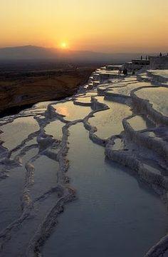 Turquía y sus huellas: Pamukkale,... castillo de algodón