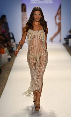 Crochet Beach Dress  CROCHET/TRICOT INSPIRATION MORE: http://pinterest.com/gigibrazil/crochet-summer/