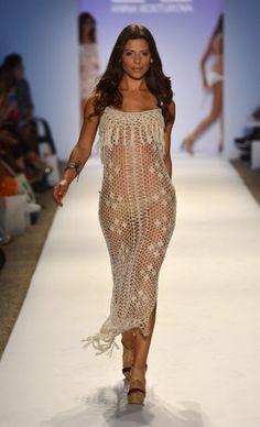 Crochet Beach Dress  CROCHET/TRICOT INSPIRATION MORE: http://pinterest.com/gigibrazil/crochet-summer/